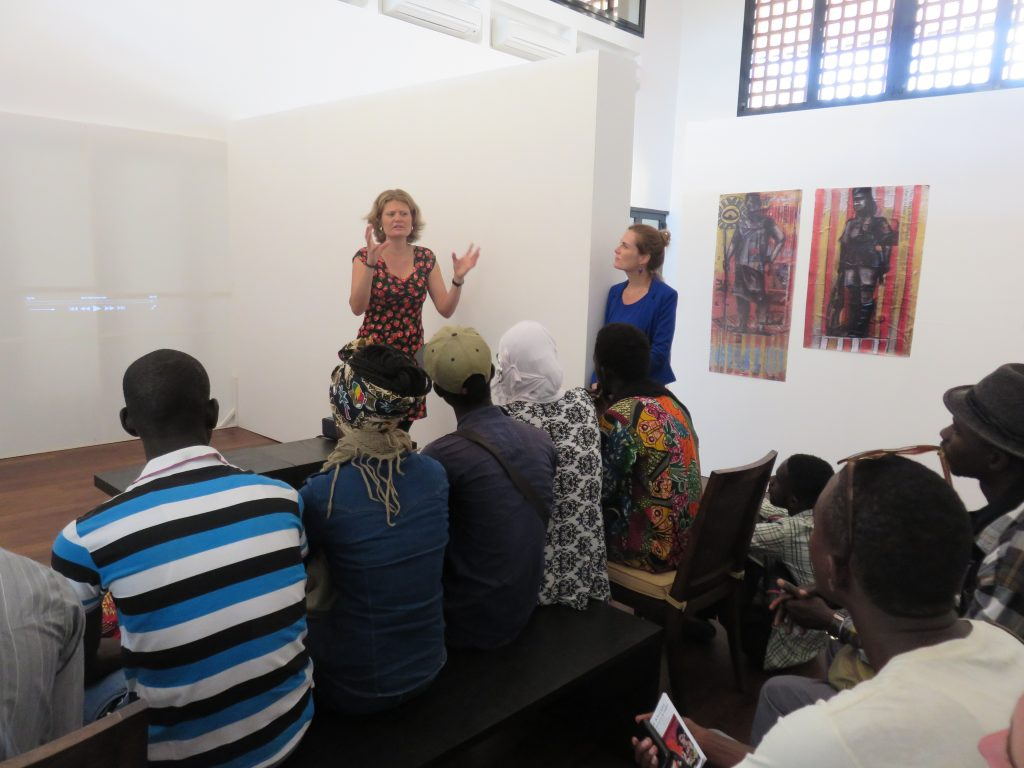 Art academy students from Dakar visit the exhibition: dialogue and discussions!